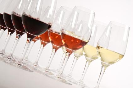 Plusieurs verres de vin
