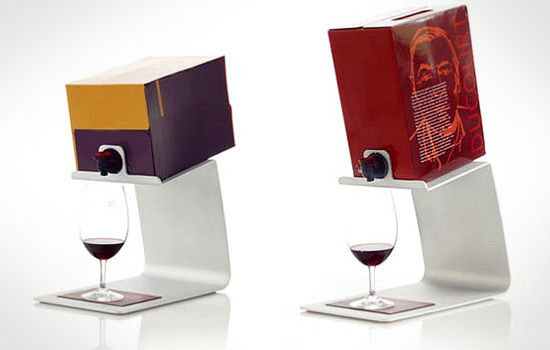 le cubitainer bient t un objet de standing wine 39 s up. Black Bedroom Furniture Sets. Home Design Ideas