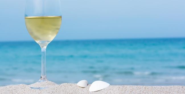 verre-vin-plage
